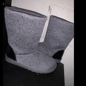 """""""Ugg"""" like glitter sweater boots"""